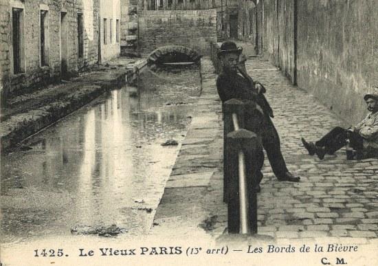 Bievre, Vieux Paris, private collection of author